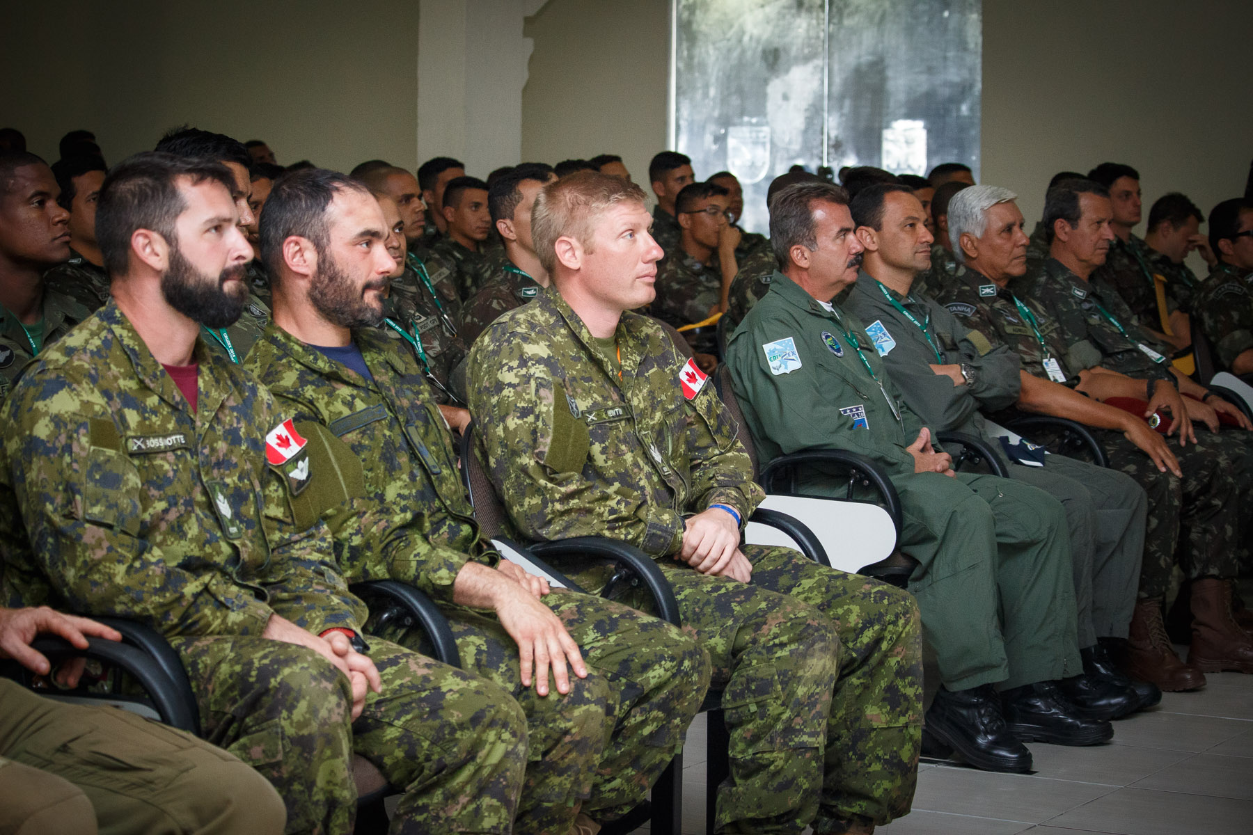Brazilian and Canadian paratrooper participate in certification ceremony